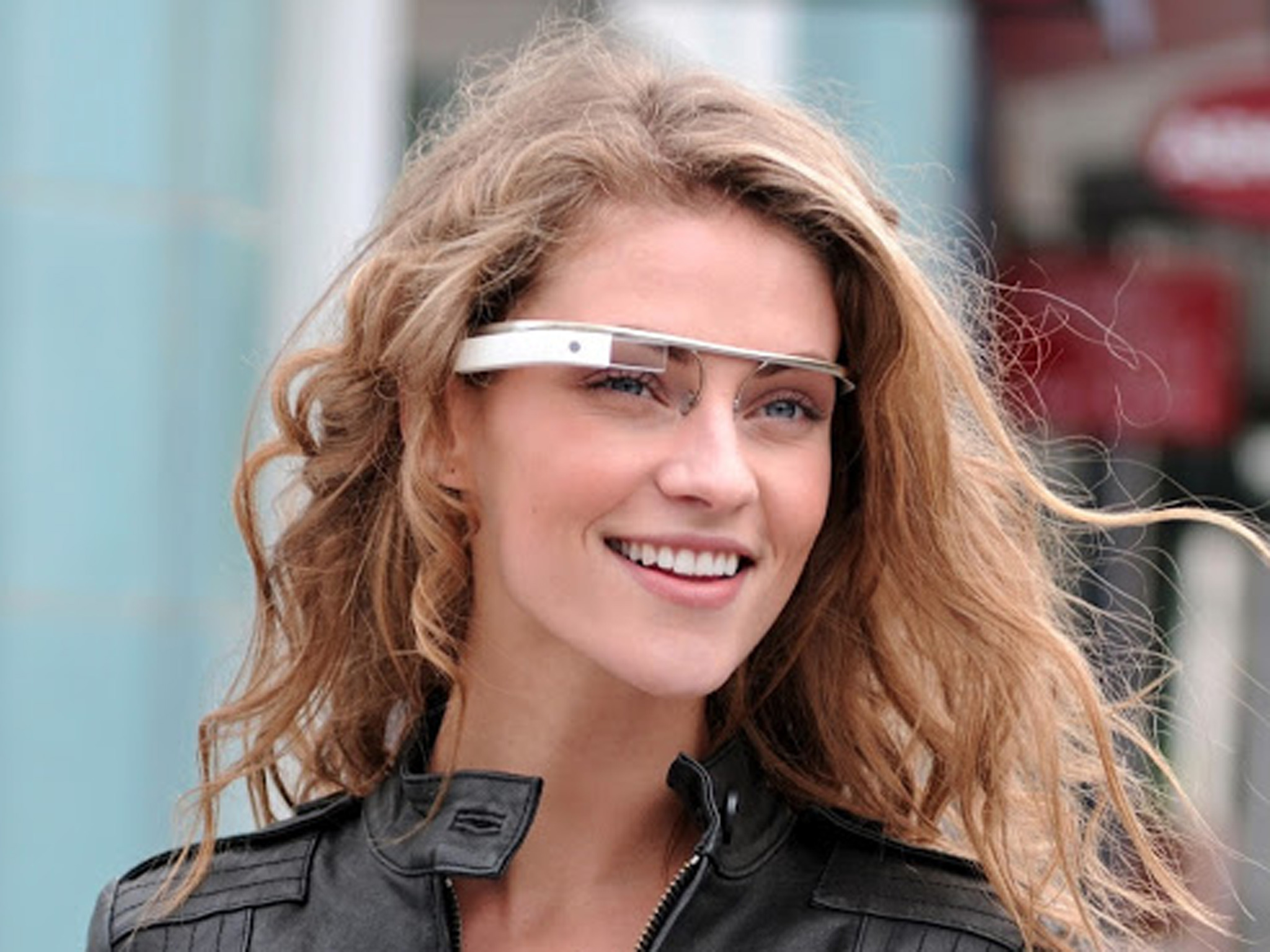 Girl-Wearing-Google-Glass